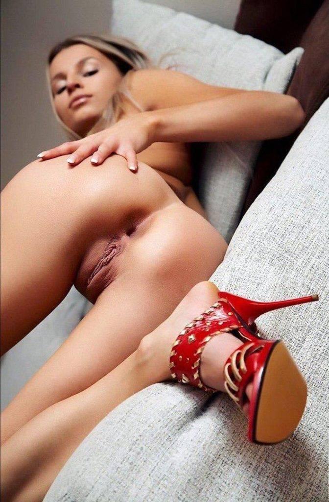 Cette femme attend de la compagnie pour une bonne sodomie